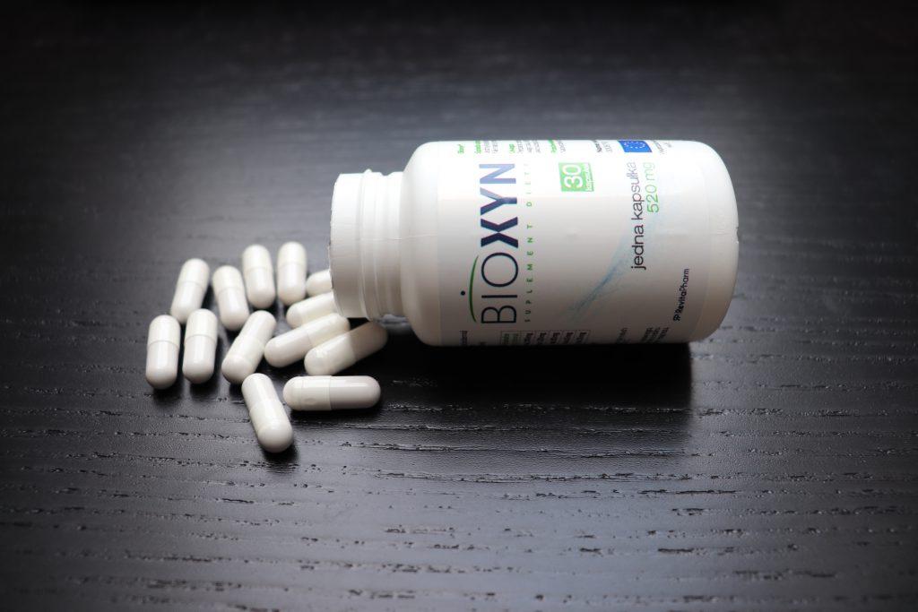 kapsułki bioxyn na odchudzanie oraz opakowanie