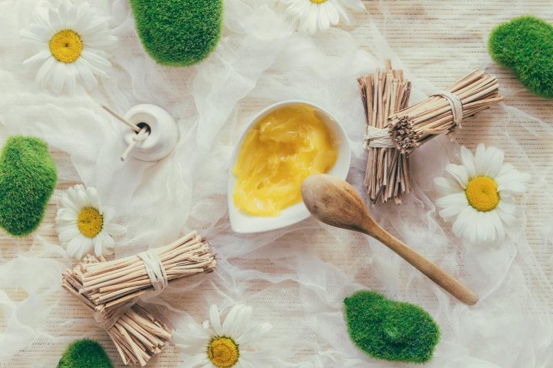 masło shea składnik kremy powiększającego piersi ovashape