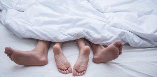 stopy kobiety i mężczyzny