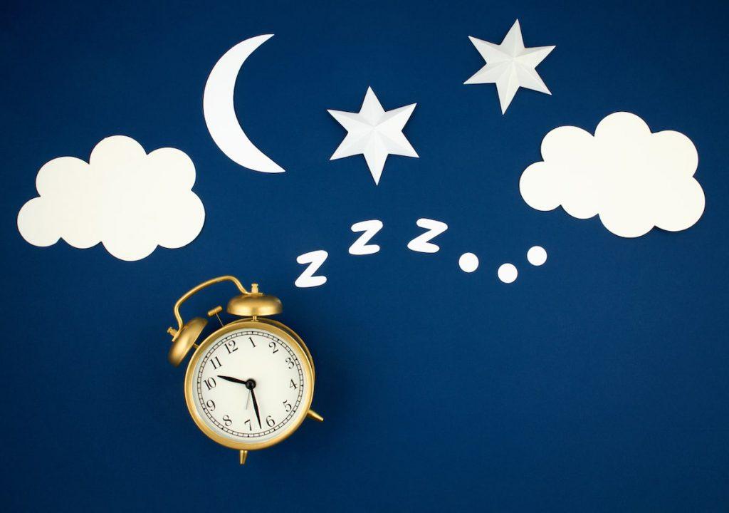 zegarek, ksieżyc, chmurki