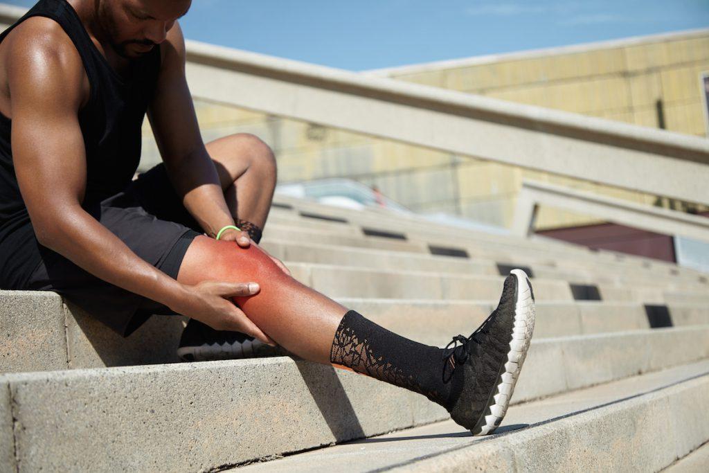 kontuzja prawego kolana