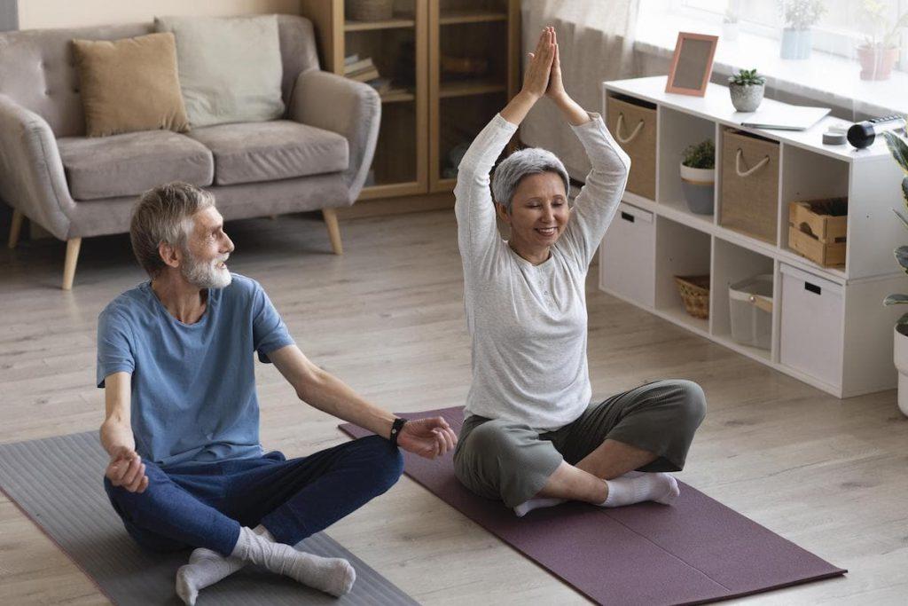 trening w domu starszych osób